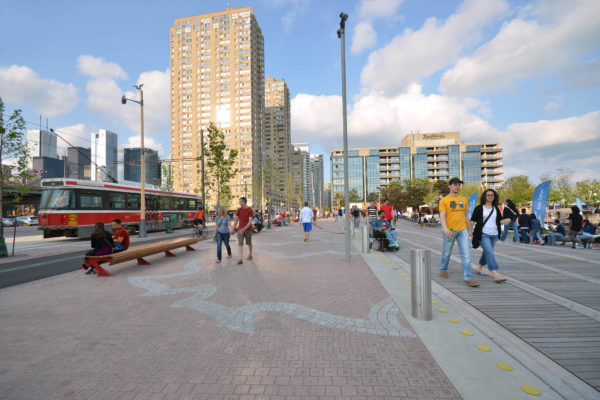 Complete Streets for Canada